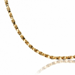 Chaîne en or jaune, maille vénitienne diamantée et torsadée