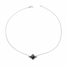 Pendentif en or gris, perle de culture de Tahiti et diamants sur chaine maille forçat