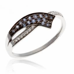 Bague en or gris et rhodié, saphirs et diamants
