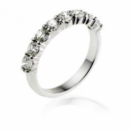 Demi alliance en or gris, diamants, serti griffes