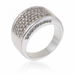 Bague pavage en or gris et diamants