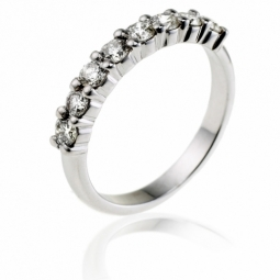Demi alliance en or gris, diamants, serti griffe