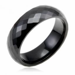 Bague en céramique facetée noire