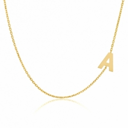 Collier en or jaune, lettre A