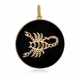 Pendentif or jaune et onyx, signe scorpion