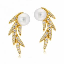 Boucles d'oreilles en argent doré,  perle de culture et  oxydes de zirconium