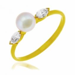 Bague en or jaune, perle de culture et oxydes de zirconium