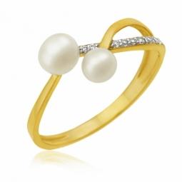 Bague en or jaune rhodié, perles de culture et oxydes de zirconium