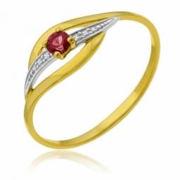 Bague en or jaune rhodié et rubis