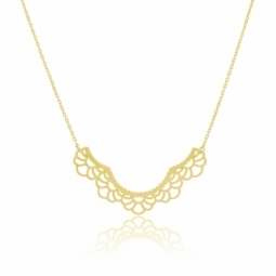 Collier en or jaune motif dentelle