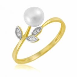 Bague en or jaune et rhodié, perle de culture et oxydes de zirconium