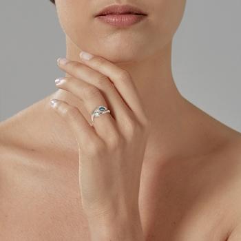 Bague en or gris, saphir, aigue marine et diamants