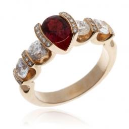 Bague en or rose, rubis et diamants