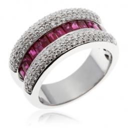 Bague en or gris, rubis baguettes et diamants
