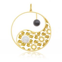 Pendentif en or jaune, perle de culture et hématite